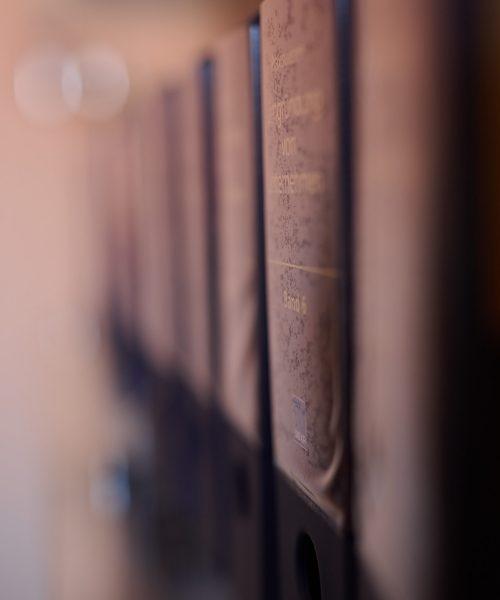 Dr. Mario Mittler Bücherwand